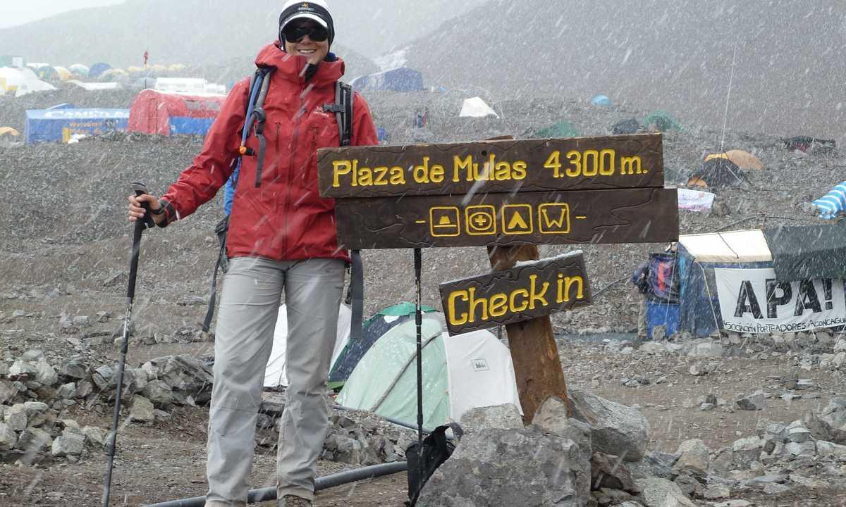 Acon Arrival Plaza de Mulas LE Jan-13