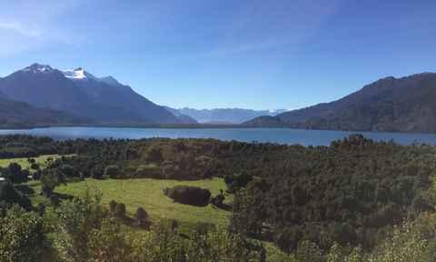 Pumalin lake