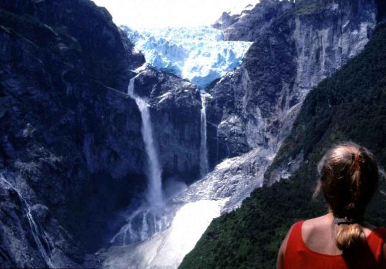 Hanging-Glacier-Posada-Queulat