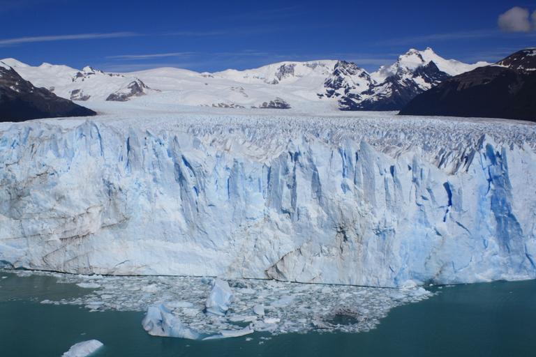 Ice-Calving-Perito-Moreno-Neil-Pike