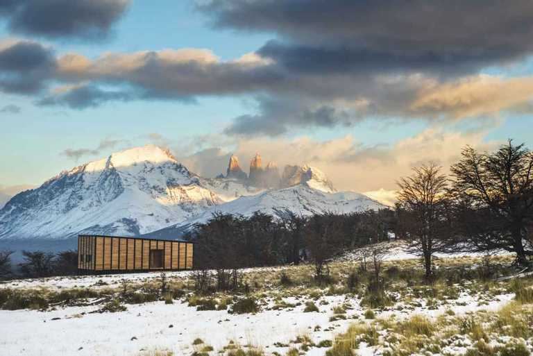 Places-to-stay-torres-del-paine-cabin-AWAS