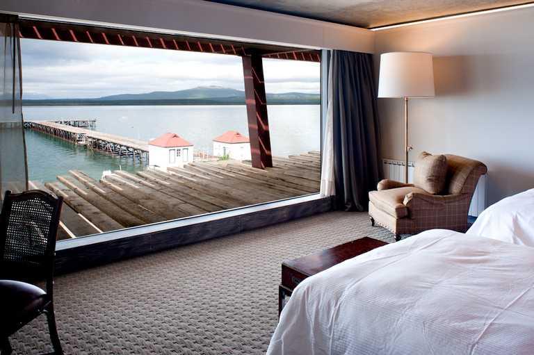 Hotel-bedroom-view-SING-p-p