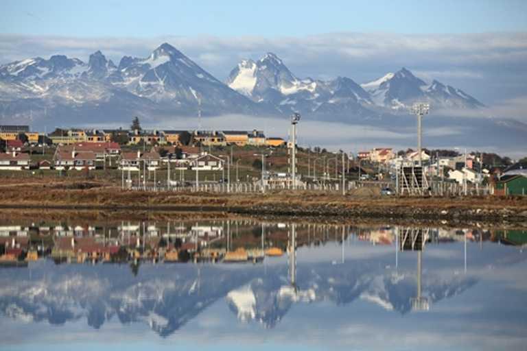 Ushuaia-port-small-SWX-p-p