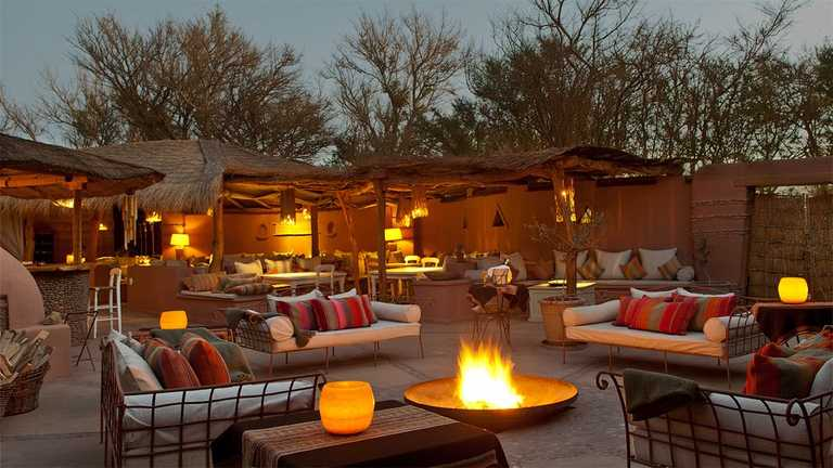 Outdoor-Seating-Area-AWAS_A