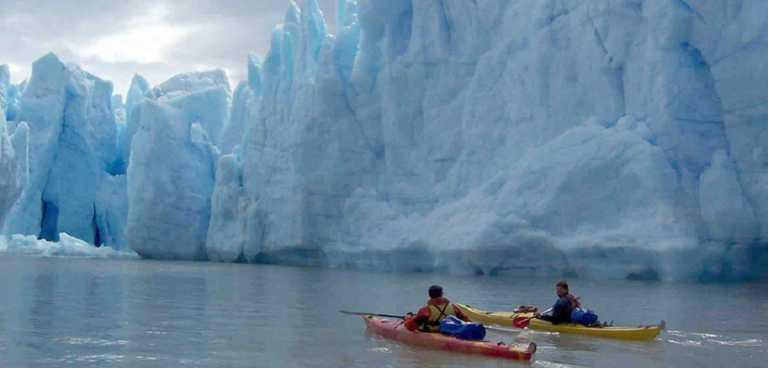 kayak-in-Grey-web1