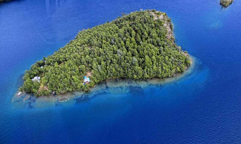 Crossing via Isla Bandurrias