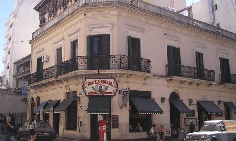 Buenos Aires Bar-El-Federal-in-the-heart-of-San-Telmo